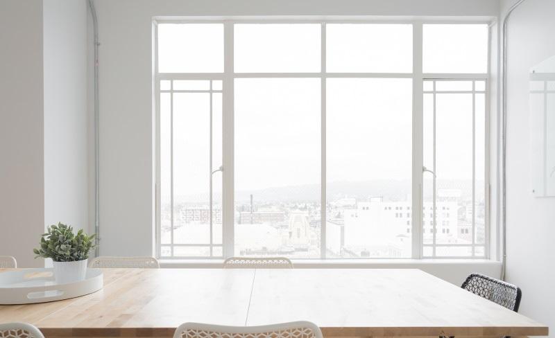 Установка нестандартного 4-х створчатого окна в офис